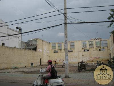Rạp Hương Bình bị bỏ hoang khá lâu sau 1975