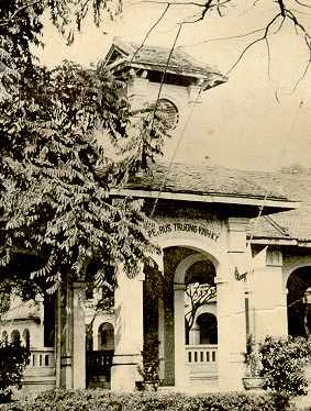 Lược sử Trường Trung học Petrus Trương VĩnhKý (Ng…