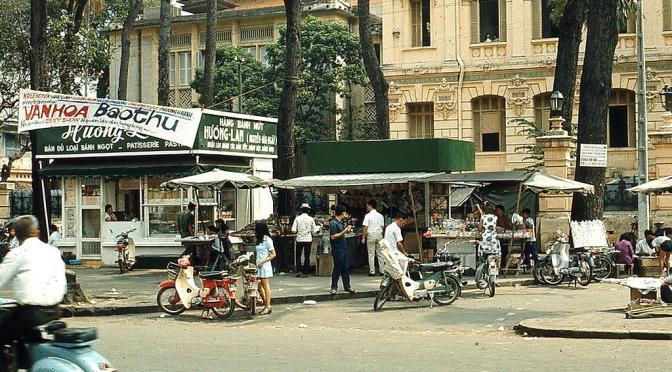Hồi ức về góc phố ẩm thực Bưu điện Sài Gòn